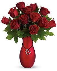 DOZEN RED ROSE  Vase with heart pendant