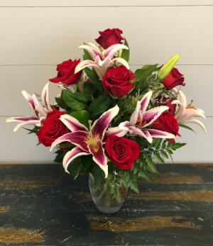 Dozen Red Roses with Oriental Lilies Vase Arrangement in Bluffton, SC | BERKELEY FLOWERS & GIFTS