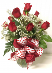 Dozen Red Roses   in Easton, Maryland | ROBINS NEST FLORAL AND GARDEN CENTER