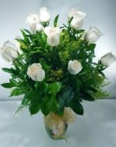Dozen Snow White Roses (classic)