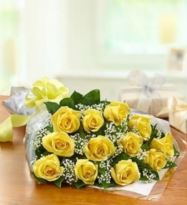 Dozen Yellow Roses Presentation Bouquet