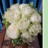 Dozzen White Garden Roses  Princess Styled Hand Tie