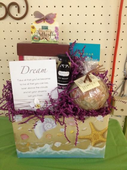 Dream & Love Gourmet/Gift Basketq