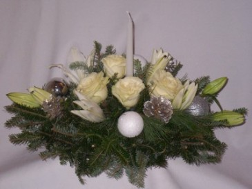 "DREAMING OF A WHITE CHRISTMAS CENTERPIECES Christmas Roses, Arrangements   Christmas Centerpieces, Christmas Roses and Flowers Arrangements, ""Christmas Flowers Prince George BC"""