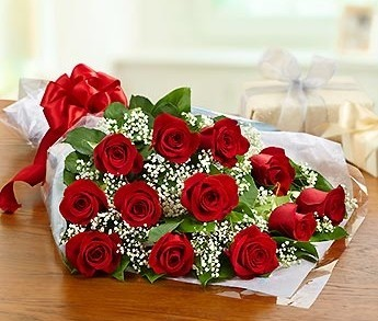Dz. Long Stem Red Roses Loose Wrapped Bouquet