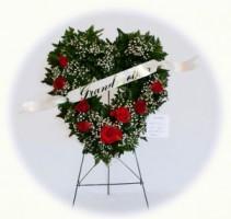 E 5 Heart Easel Heart Wreath