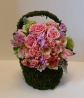 Moss basket in pinks