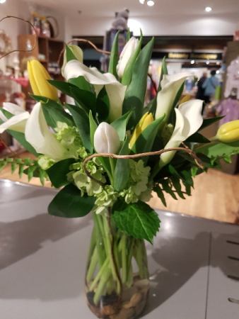 ELEGANCE IN A VASE Callas, Tulips and Hydrangeas