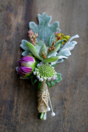 elegance in fall  boutonniere