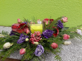 Elegance in Winter Table Arrangements