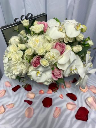 Elegant Arrangement  Full Flowers on the box gift