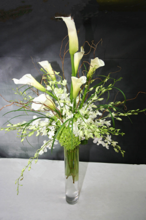 ELEGANT CALLA LILLIES IN TALL VASE LARGE