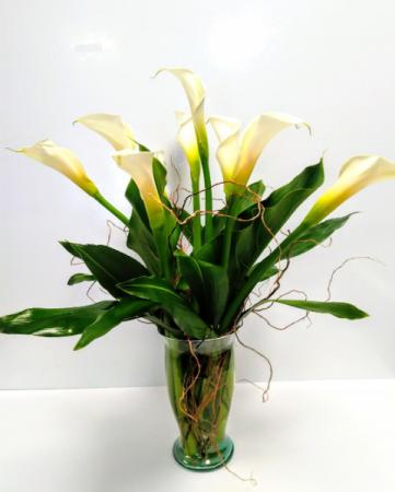 Elegant Calla lily Arrangement Valentines Day