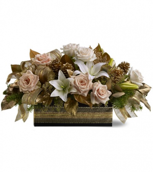 Elegant Christmas centerpiece in Vernon, BC | SIMPLY BASKETS AND HARRIS FLOWERS