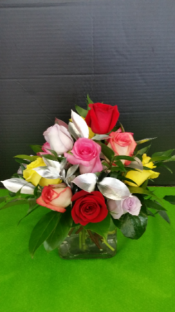 Elegant Cube with Mixed Color Roses