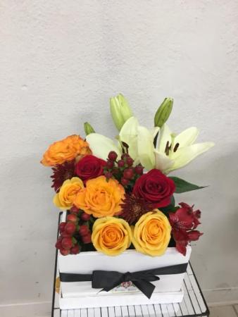 Elegant Red Wine & Yellow Rose Box Box