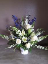 Elegant sympath Funeral flowers