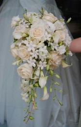 ELEGANT TEAR DROP CASCADE Bridal Bouquet
