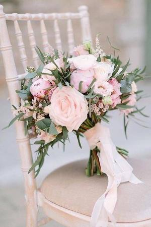 Elegant White Bridal Bouquets