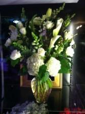 Elegant White Grand Style Vase
