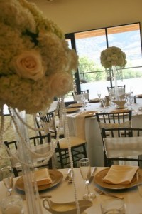 ELEGANT WHITE  Wedding centerpieces