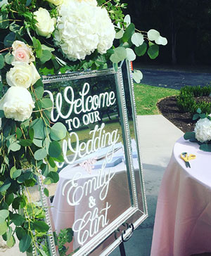 Elevated Ivory Sign Accent in Colonia, NJ | LAKE FLOWERS