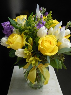 European Garden Bouquet EN-27 in Teaneck, NJ | ENCKE FLOWERS