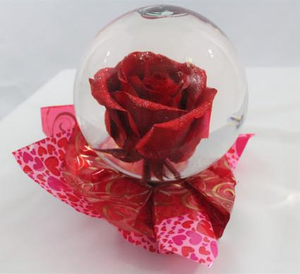 Enchanted Rose Globe