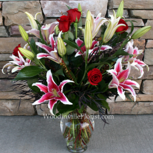 Enchanted Roses Contemporary Rose Arrangement in Woodinville, WA | WOODINVILLE FLORIST ®