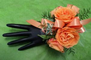 Enchanting Rose Wrist Corsage in North Adams, MA | MOUNT WILLIAMS GREENHOUSES INC