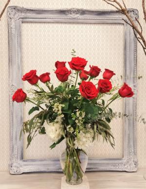 Enchantment Dozen Roses & Hydrangea  Arrangement  in Winter Springs, FL | WINTER SPRINGS FLORIST AND GIFTS
