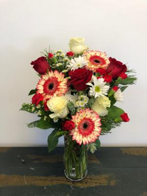Epic Christmas Vase Arrangement in Bluffton, SC | BERKELEY FLOWERS & GIFTS