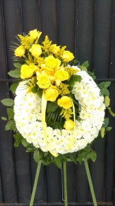 ETERNAL FRIENDSHIP WREATH - YELLOW ROSES FUNERAL FLOWERS