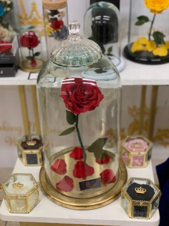 Eternal Royalty Roses Gold Edition Large B&B Eternal Roses