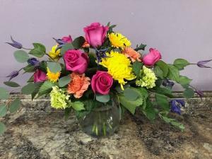 Evelyn Bouquet in Plainfield, IL | VILLAGE FLOWER SHOP