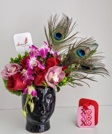 Exotic Love Face V21-813 Flower Arrangement