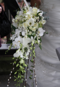 EXQUISITE ALL WHITE DIVINE CASCADE BOUQUET WEDDING