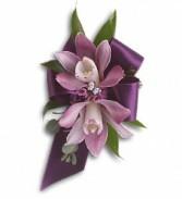 Exquisite Orchid Wristlet T201-9a