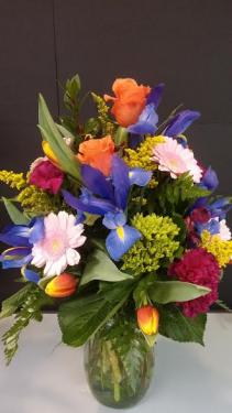 EXQUISITE REVELATION Vase arrangement