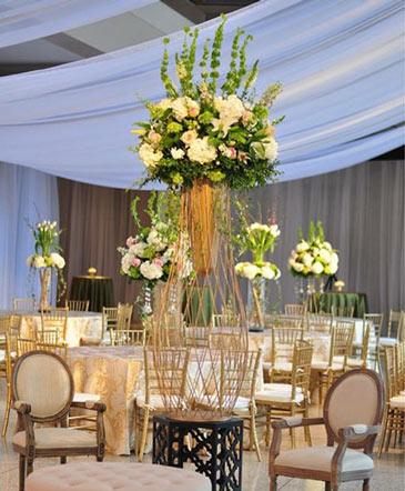 Extravagantly Royal Table Arrangement