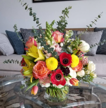 Fabulous Blooms Hand Tied Vase Design