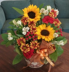 Fall Flower Basket in Bluffton, SC | BERKELEY FLOWERS & GIFTS