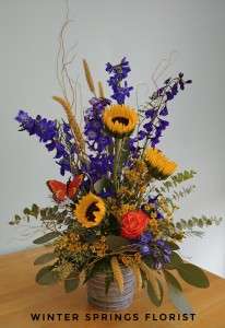 Fall Meadow  Bucket Design  in Winter Springs, FL   WINTER SPRINGS FLORIST AND GIFTS