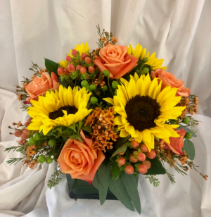 Autumn Sunshine  in Medfield, MA | Lovell's Florist, Greenhouse & Nursery
