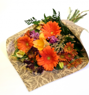 Falling For You Handtie Bouquet in Invermere, BC | INSPIRE FLORAL BOUTIQUE
