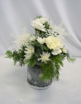 FALLING SNOW Fresh Arrangement
