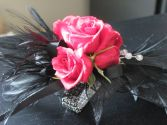 FANCY FEATHERS DIAMANTE Corsage