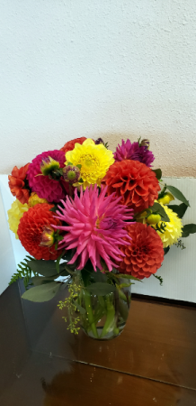 FARM FRESH DAHLIA BOUQUET **LOCAL DELIVERY ONLY**