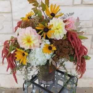 Farm Fresh Designer's Choice Vase in Burleson, TX   Texas Floral Design Inc