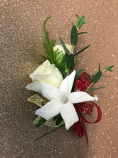 Fascination Boutonniere